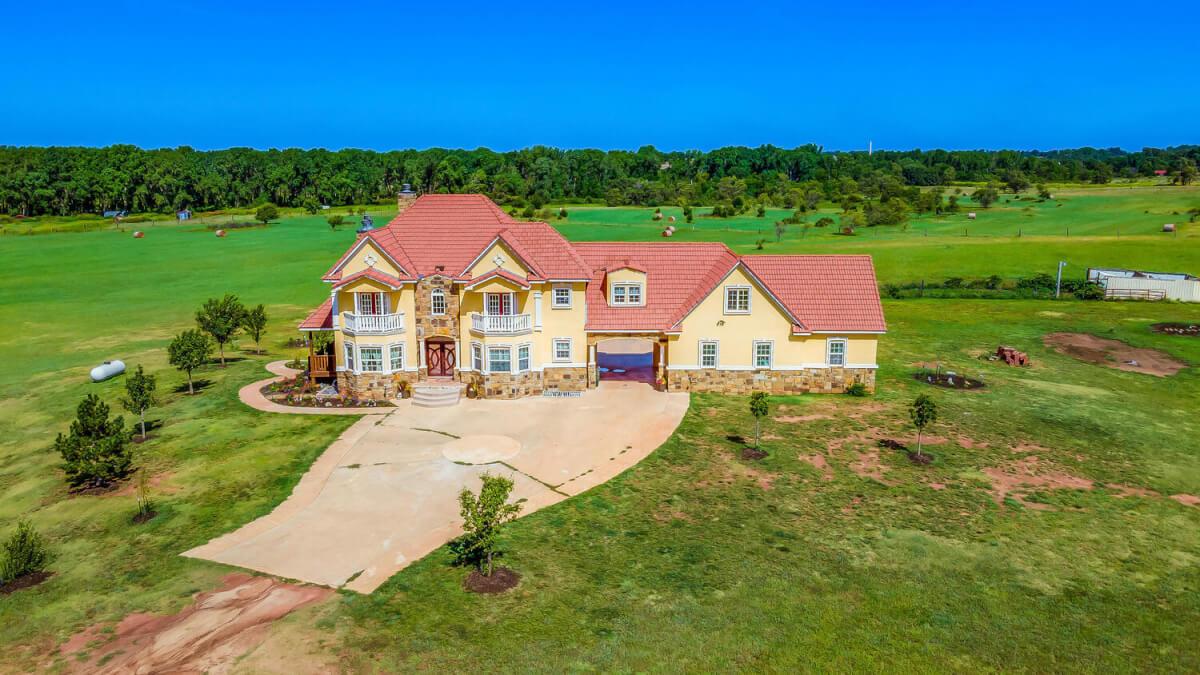 8422 SE 25 St Murdock KS 67111-large-002-057-Property Overview-1500x844-72dpi