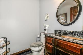 8422 SE 25 St Murdock KS 67111-large-024-012-Bathroom-1500x1000-72dpi