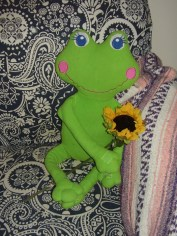 thinking-chair-stuffed frog