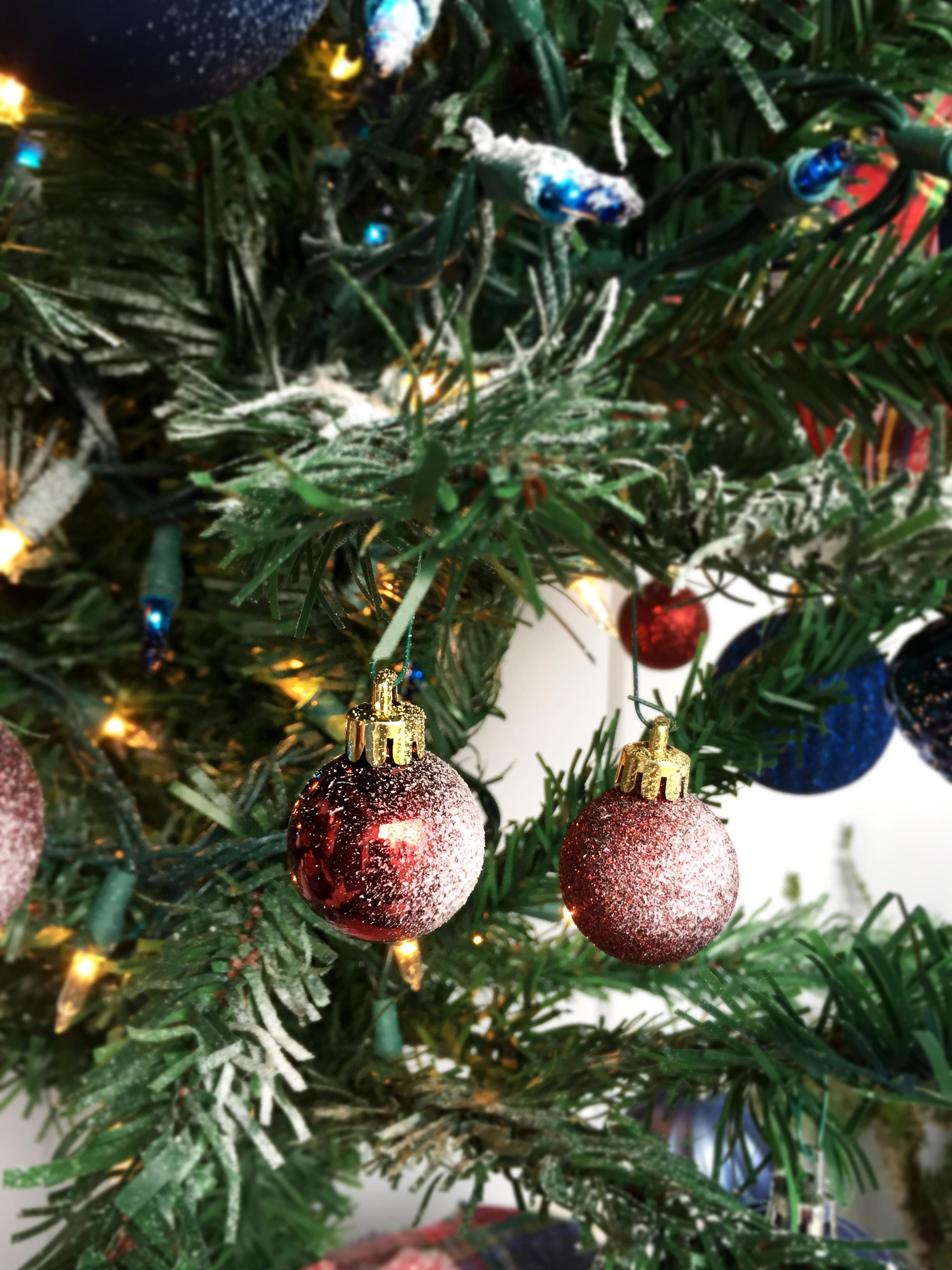 Plaid Christmas Tree Rustic And Plaid Christmas Front Porch Decor Inspiration
