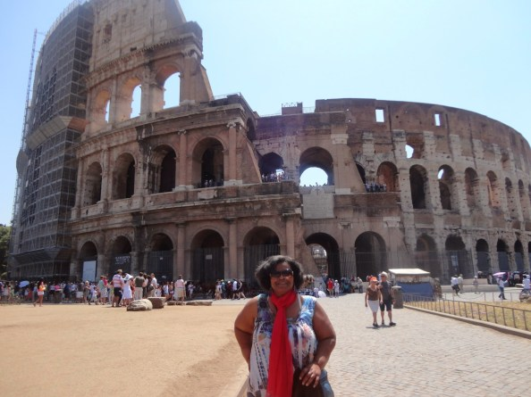 mommy in front of the colosseum