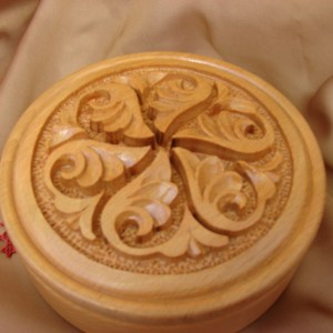 Round Wooden Jewelry Box