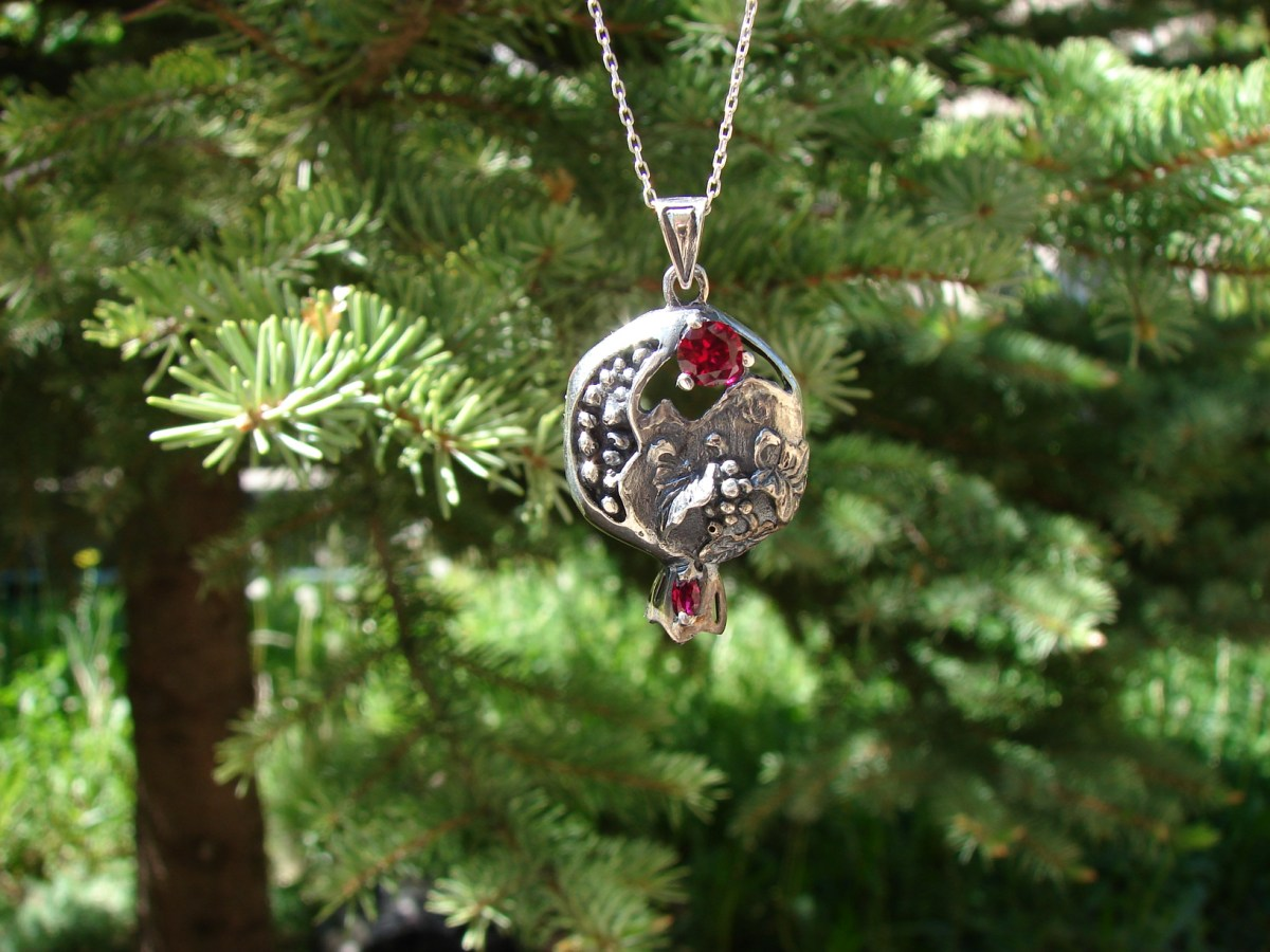 Pomegranate Necklace Sterling Silver 925 with Red Garnet