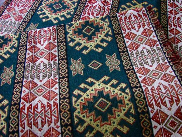 Ethnic Style Table Runner Armenian Carpet Ornament with 2 napkins