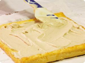 Étaler la crème aux marrons