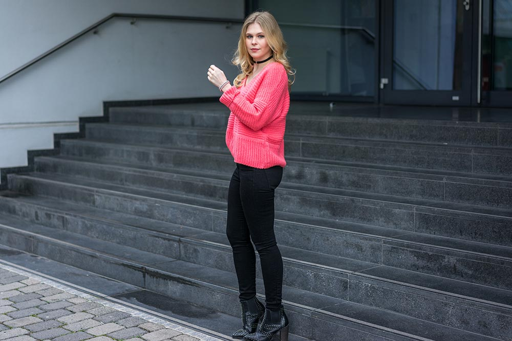 pullover-pink-outfit-blogger-sunnyinga