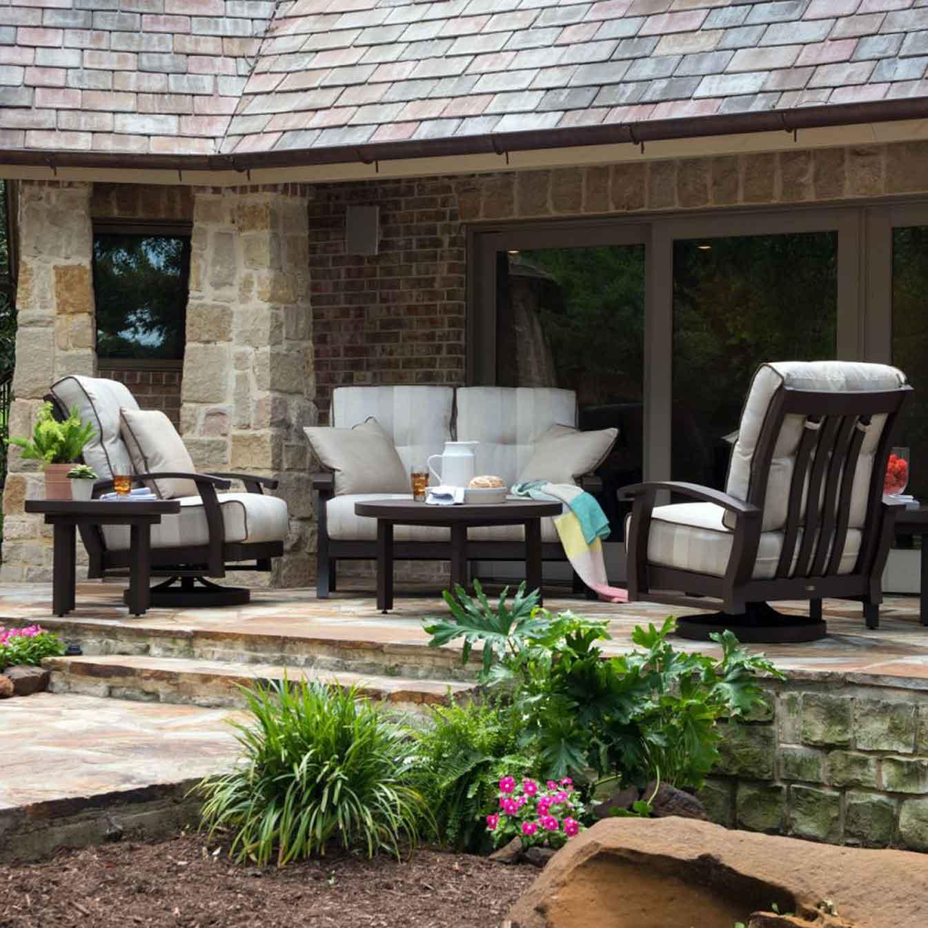 mallin sunnyland outdoor patio