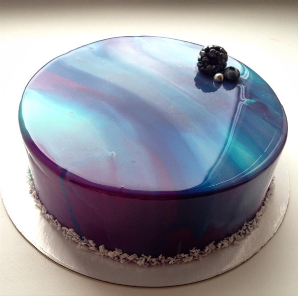 This Woman S Beautiful Glossy Cakes Are Taking The