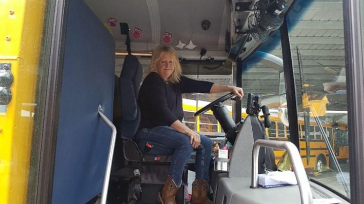 tracy dean bus driver braids girls hair every morning