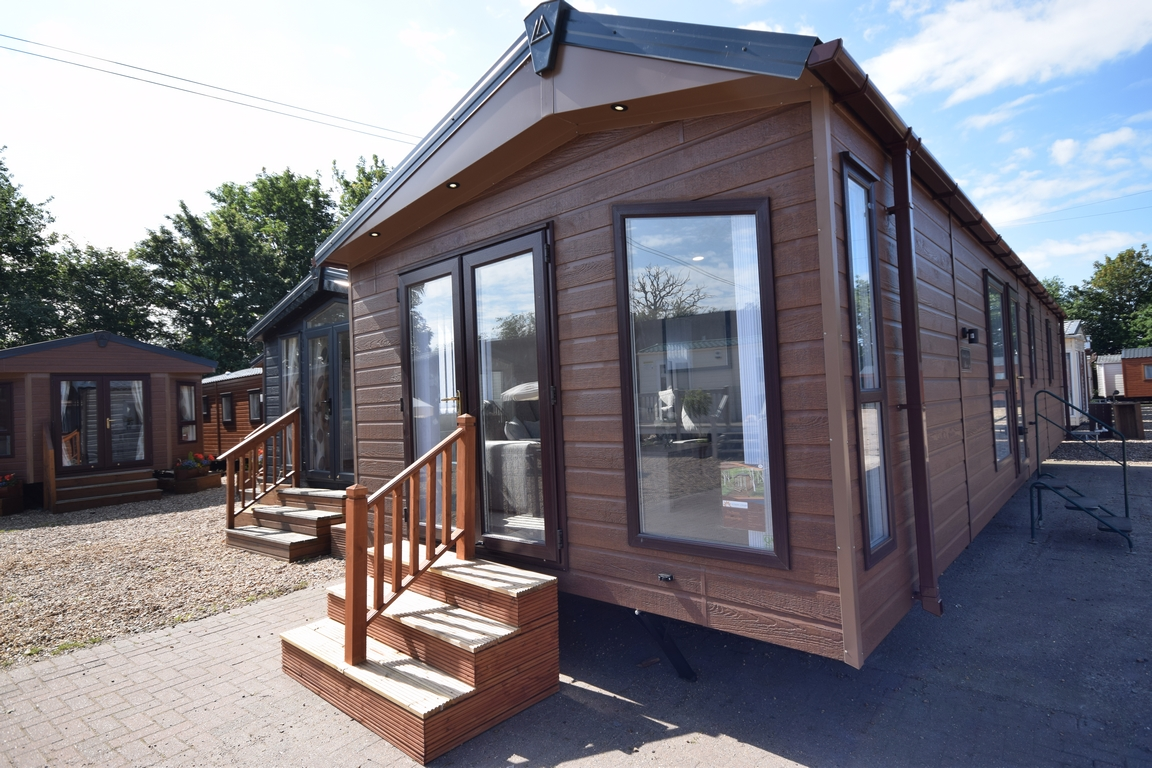 Sunrise Lodge Abstract 40x13 Mobile Log Cabin 2 Beds Garden Annexe