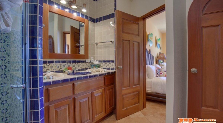 grand caribe b7 bathroom 3 (2)