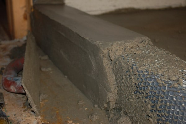 6 easy steps to build a shower curb