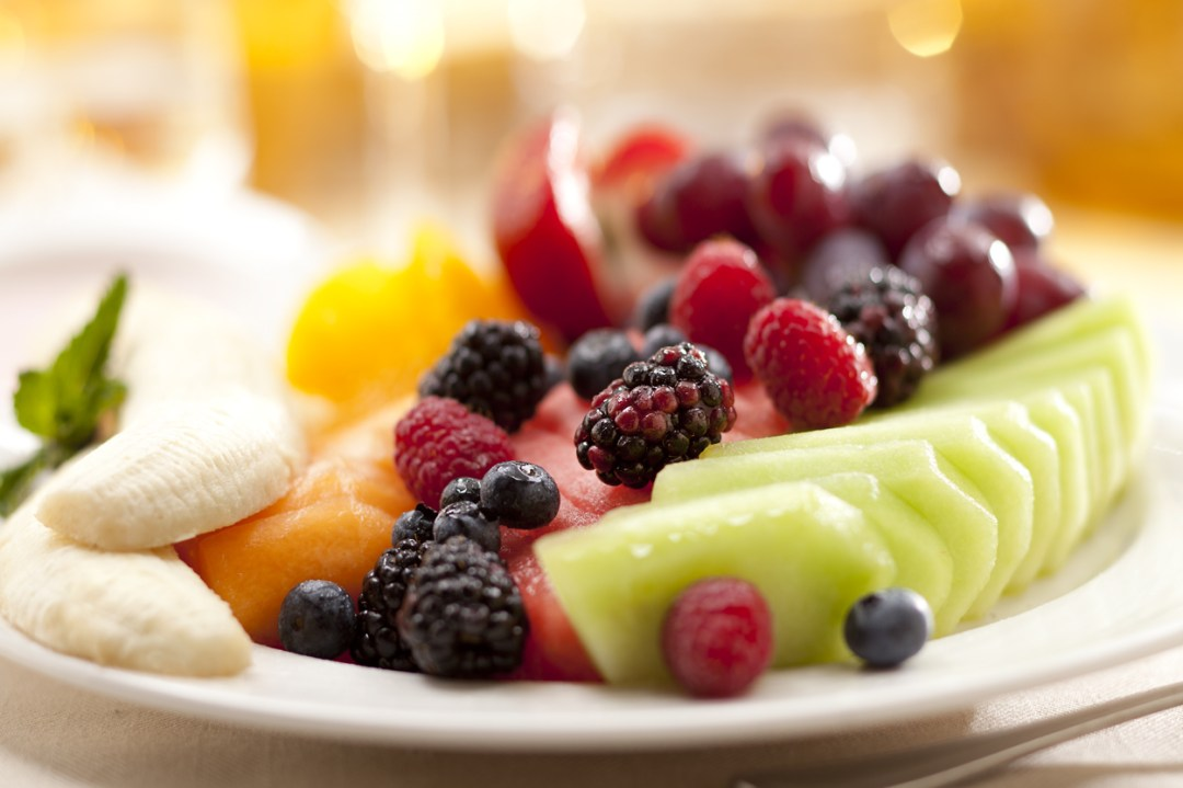 a photo of a fruit plate