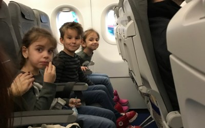 7 Tips and Tricks to A Calm Flight When Travelling with Children