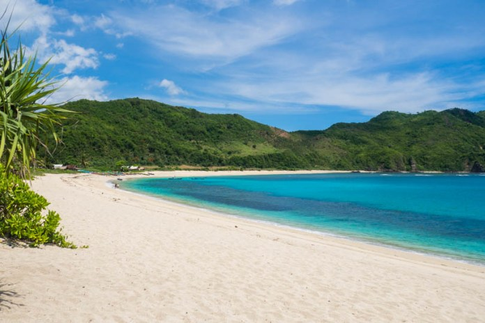The two absolute best beaches on Lombok | Sunshine Seeker