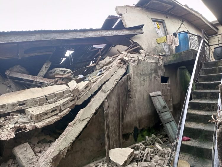 Six Children cheat death in Ondo as Police arrest landlord of collapsed Building