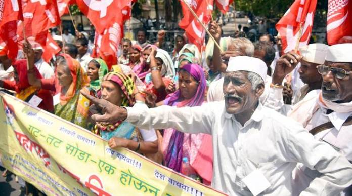Farmers agitation at Nashik collector office on Friday
