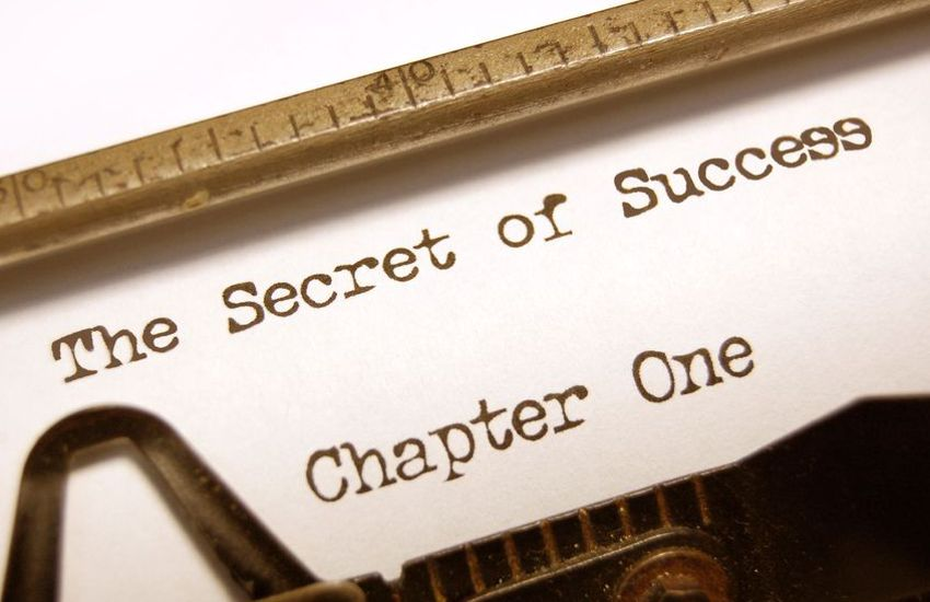 Powerful Headline - Typewriter and Secrets of Success