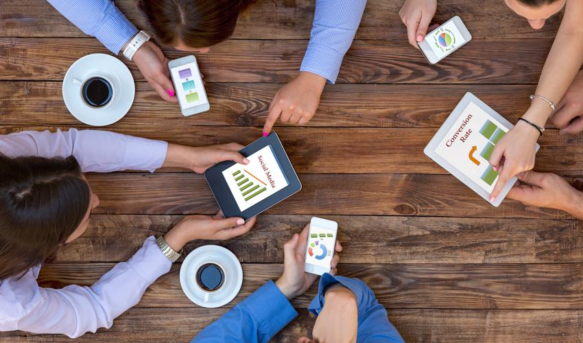 5 Big Problems With Social Media Automation - People Around Table