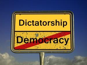 Demokratia on vähiten huonosti toimiva hallitusmuoto