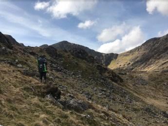 Hiking towards Llyn Cau