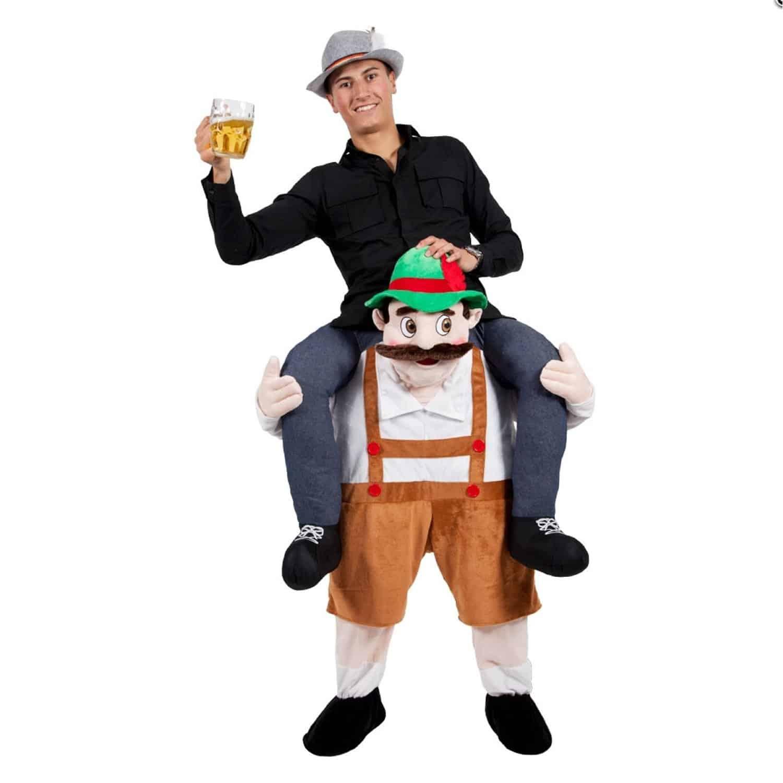 Costume Gonflable Bavarois Sur Ses Epaules Super Insolite