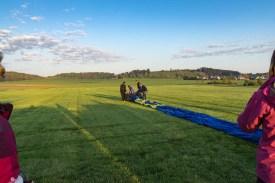 Ausgerollt ist die Ballonhülle ca. 30 m lang.