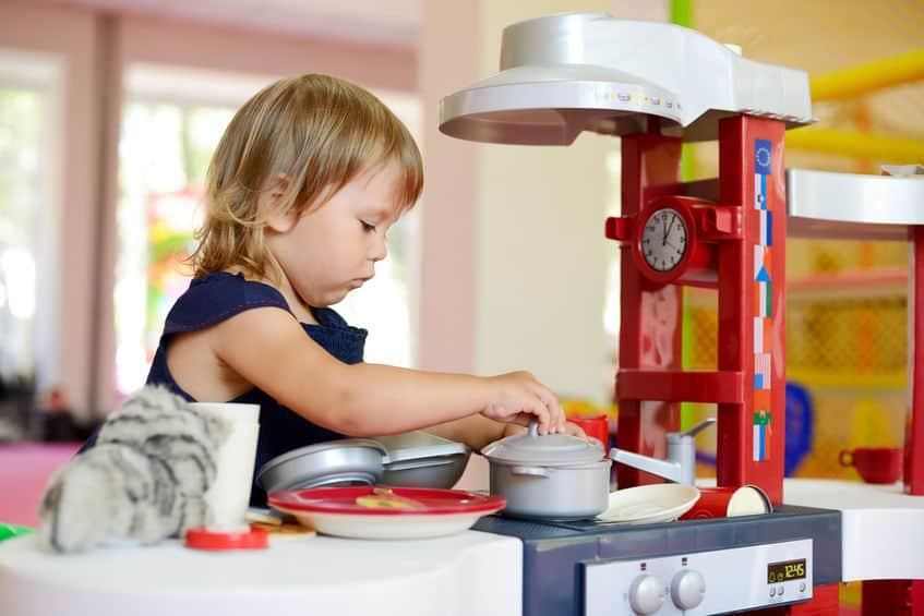 Cucina giocattolo in plastica