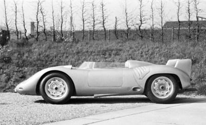 1957_Porsche_718RSKSpyder-0-1024