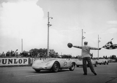 1957_Porsche_718RSKSpyder-4-1024