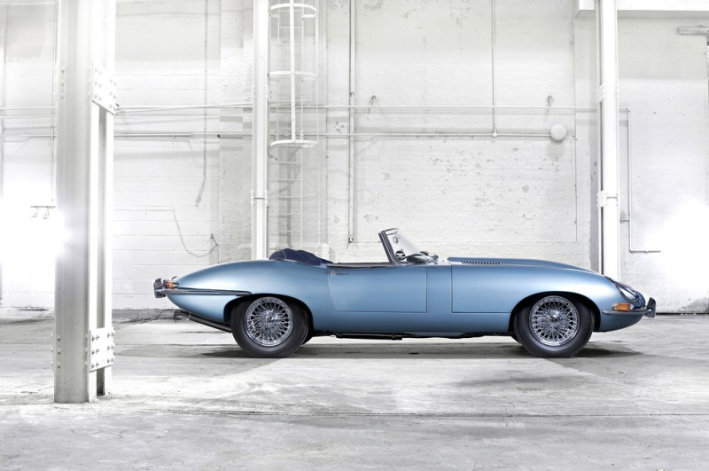 1961_Jaguar_EType38Roadster-0-1024