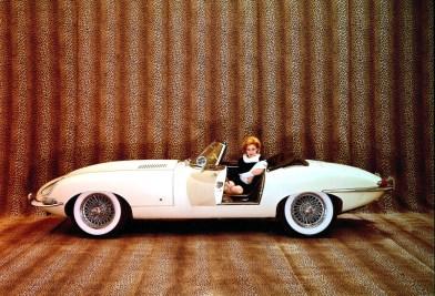 1961_Jaguar_EType38Roadster-2-1024