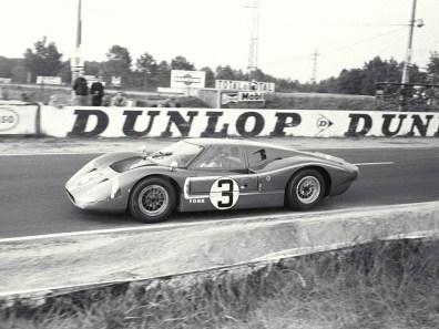 1967_Ford_GT40MarkIV5