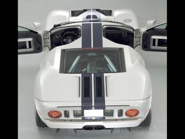 2005_Ford_GT11