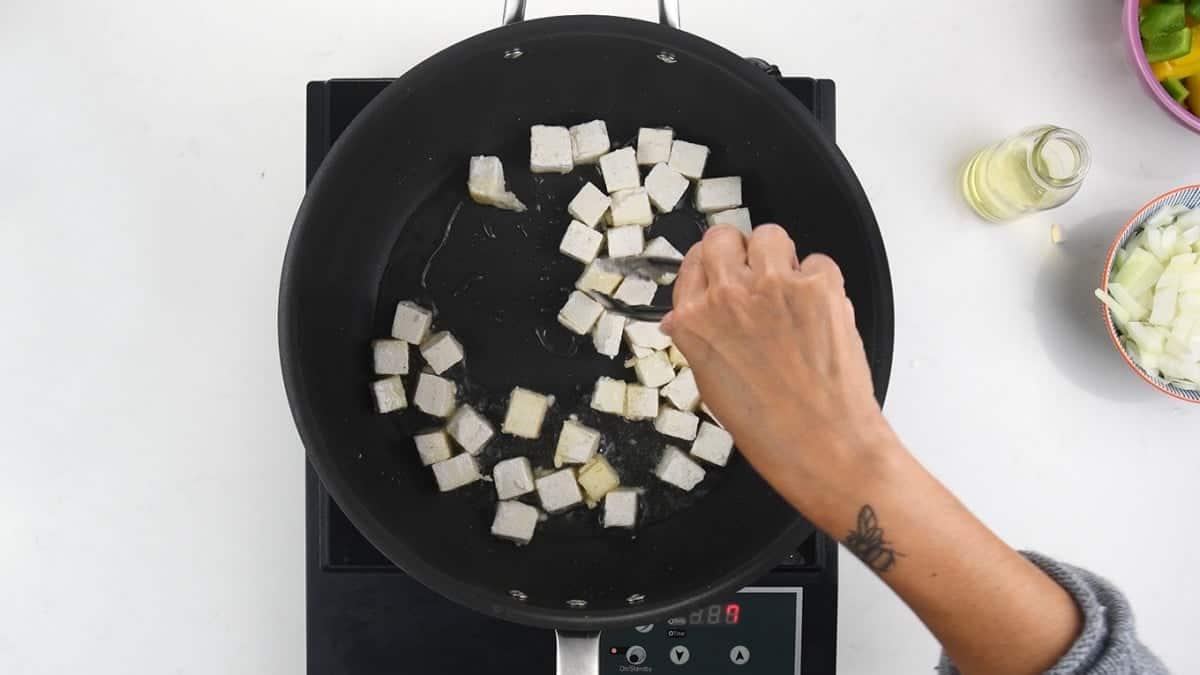 Making crispy tofu