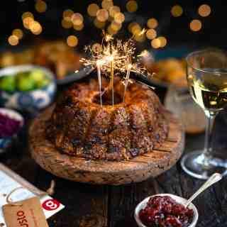 Festive nut roast