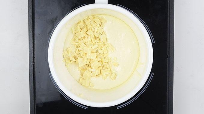 making white chocolate custard