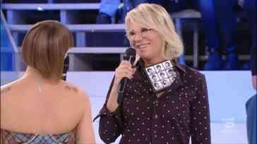 Alessandra Amoroso ad Amici di Maria De Filippi canta Tutte le volte: l'esibizione | Video Witty Tv