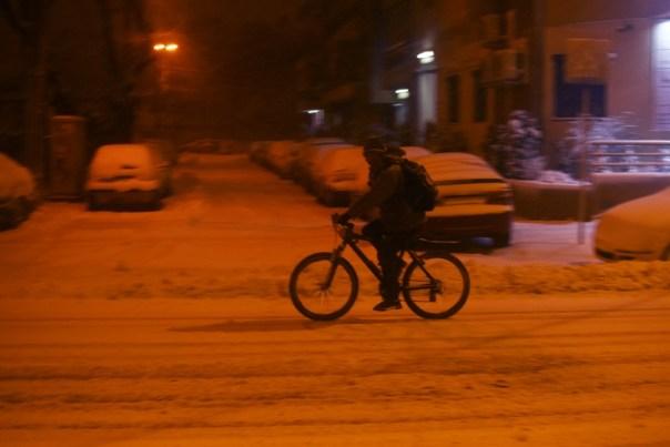 cu bicicleta in zapada