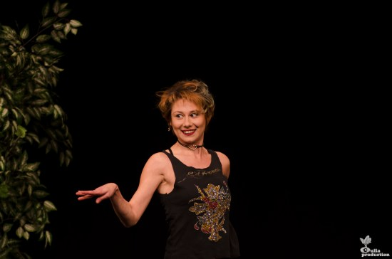 Silvia Gagu în spectacolul Divorț în ziua nunții