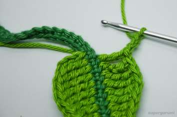 Crochet Leaf Cable Tie Step 18