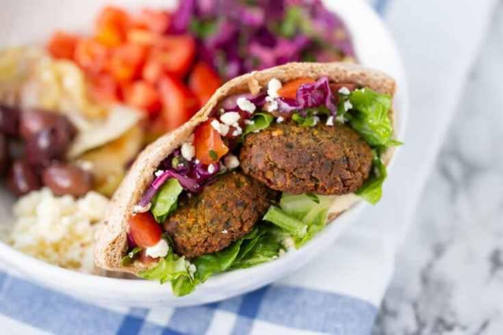 crunchy falafel in pita with veggies
