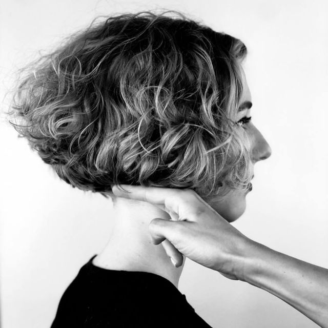 30+ trendy curly bob hairstyles for short curly hair lovers!