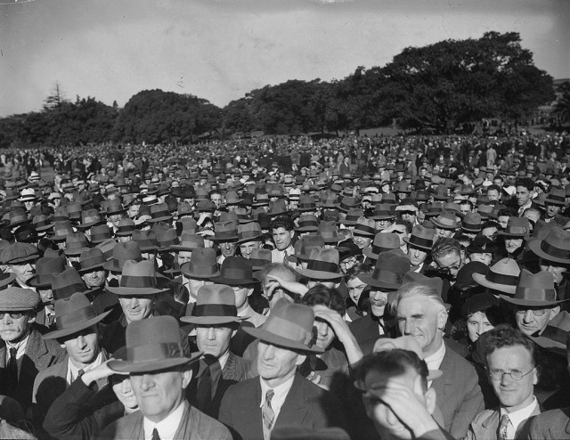 the_crowd_taken_for_sam_hoods_news_photo_services_huge_crowd_in_the_domain_to_hear_communist_party_speaker_c_1934