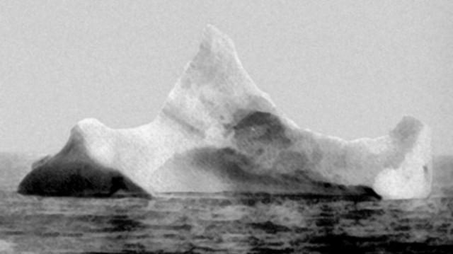 titanic-iceberg-2-red-paint-nasa-660x371