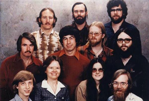 1978 yılında Microsoft çalışanları. Sol alttaki genç Bill Gates.
