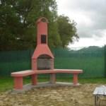 Zahradní krb Zvíkov (rohový + stolky)