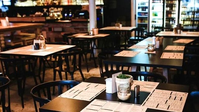 Restoran ve kafeler ne zaman açılıyor? Bilim kurulu üyesi açıkladı!