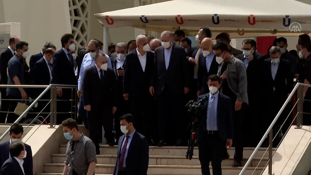 Cumhurbaşkanı  Recep Tayyip Erdoğan, Ümraniye Belediye Başkanı İsmet Yıldırım'ın babasının cenaze namazına katıldı