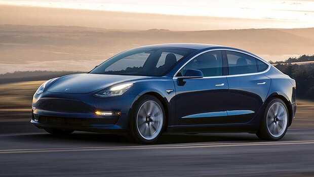 Tesla hissesinde sert düşüş! Elektrikli otomobil 2 polisi ezdi